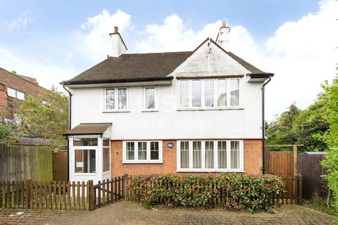 4 bedroom detached house for sale - Hodford Road, London, NW11