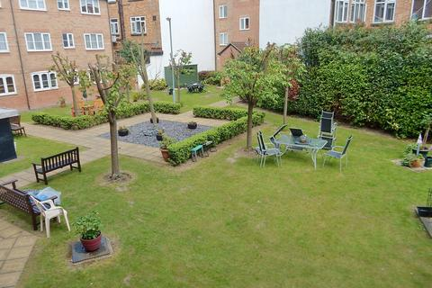 1 bedroom retirement property for sale - Gibson Court, Regarth Avenue, Romford RM1