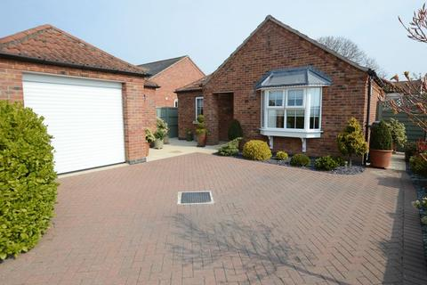 3 bedroom detached bungalow for sale - 9 Mill Close, Woodhall Spa