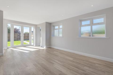 2 bedroom bungalow for sale - Roman Way  / Westfield Road,  Thatcham,  RG18