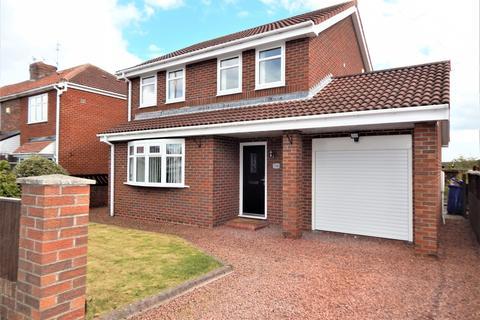 4 bedroom detached house to rent - Crawley Avenue, Hebburn