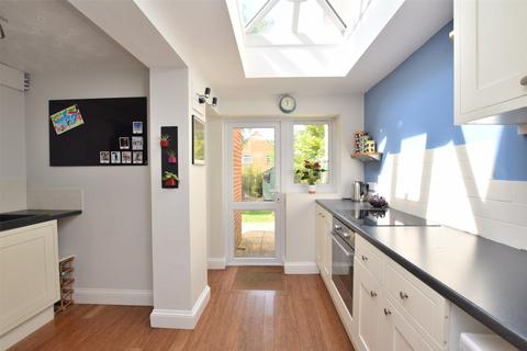 2 bedroom terraced house for sale - New High Street, Headington, OXFORD, OX3 7AQ