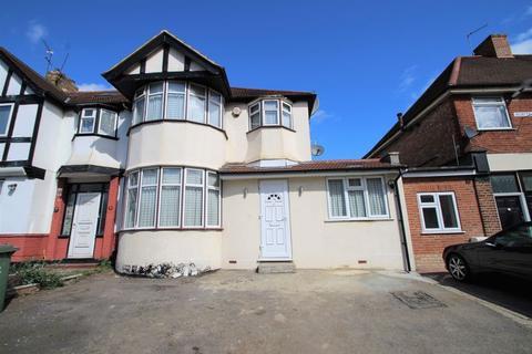4 bedroom semi-detached house for sale - Headstone Gardens, North Harrow