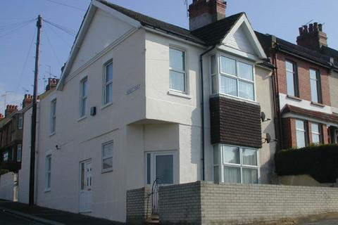 2 bedroom flat to rent - Milner Road, Coombe Road
