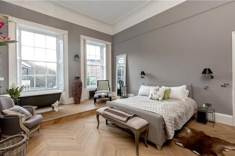 2 bedroom flat for sale - Blenheim Place, Edinburgh, Midlothian, EH7