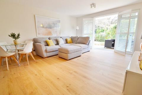 3 bedroom flat for sale - Evening Hill