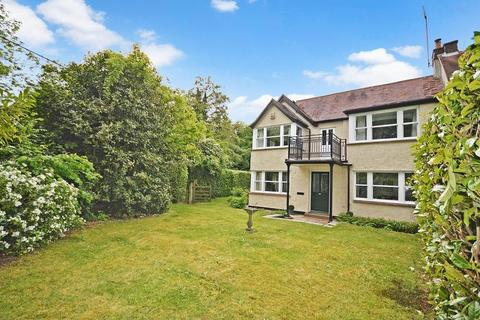 5 bedroom character property for sale - Nr. Wendover No Onward Chain