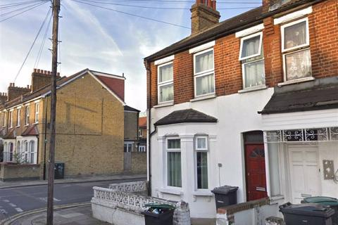 3 bedroom terraced house for sale - Station Crescent, Tottenham