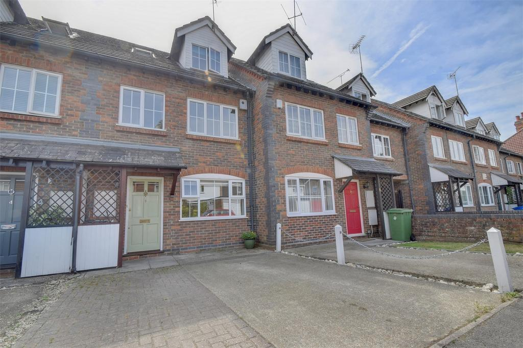 5 Bedrooms Town House for sale in The Mews, Madeline Road, PETERSFIELD, Hampshire