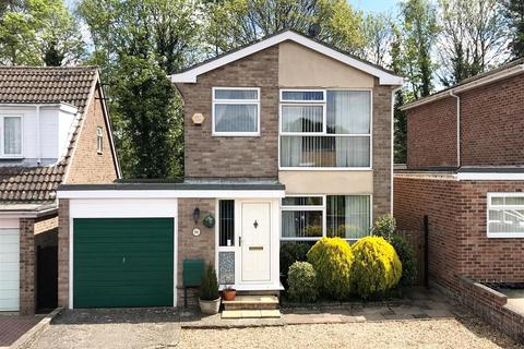 3 bedroom detached house for sale - Abbey Close, Newbury
