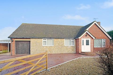 3 bedroom detached bungalow for sale - Church Lane, Molash