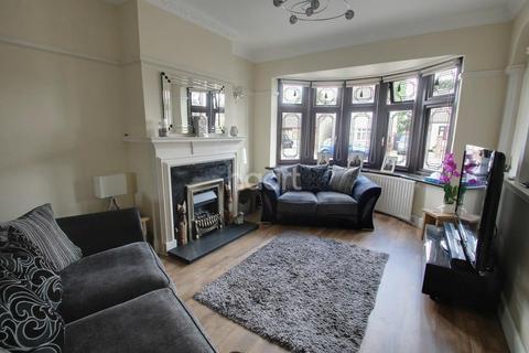 3 bedroom semi-detached house for sale - Betterton Road, Rainham