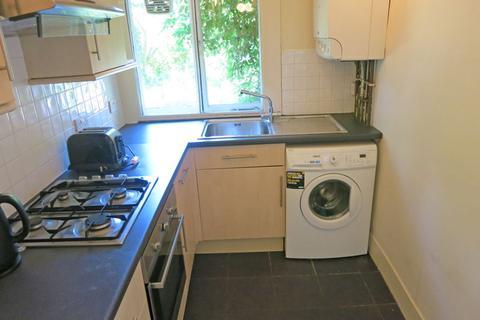 3 bedroom flat to rent - Polwarth Gardens, Polwarth, Edinburgh, EH11