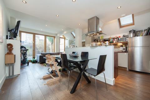 2 bedroom flat to rent - Kimbell Gardens, Fulham, SW6