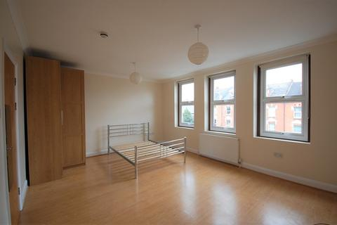 1 bedroom apartment to rent - Ferme Park Road, London