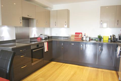 2 bedroom apartment to rent - London TW8