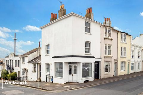 4 bedroom end of terrace house for sale - Upper North Street, Brighton, East Sussex, BN1
