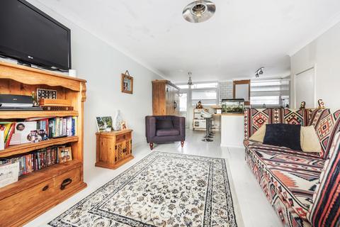 2 bedroom maisonette for sale - Stainton Road London SE6