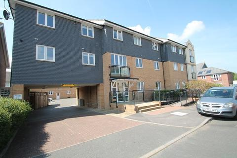 1 bedroom flat for sale - The Shires, Staines-Upon-Thames, TW18