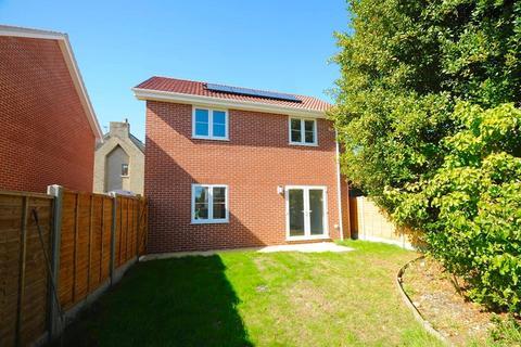 3 bedroom detached house for sale - Farcroft Road, Parkstone, Poole, Dorset, BH12