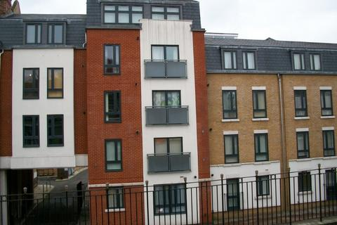 1 bedroom flat to rent - 1 Bed Flat, Lyon Court, Rochester ME1 1HX