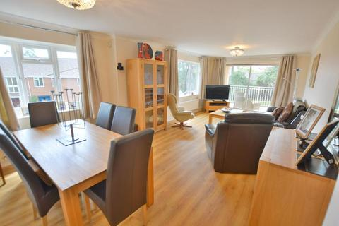 3 bedroom flat for sale - Fairview Park Overbury Road, Lower Parkstone, BH14 9JZ