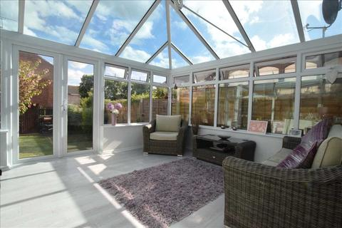 3 bedroom house for sale - Cook Place, Chelmer Village, Chelmsford