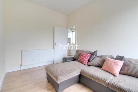 Studio to rent - Norwood Road, Southall, UB2
