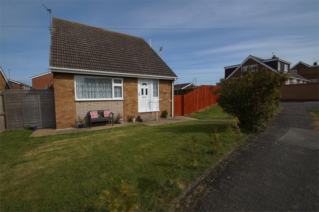 3 Bedrooms Detached Bungalow for sale in Ryecroft Drive, WITHERNSEA, East Riding of Yorkshire