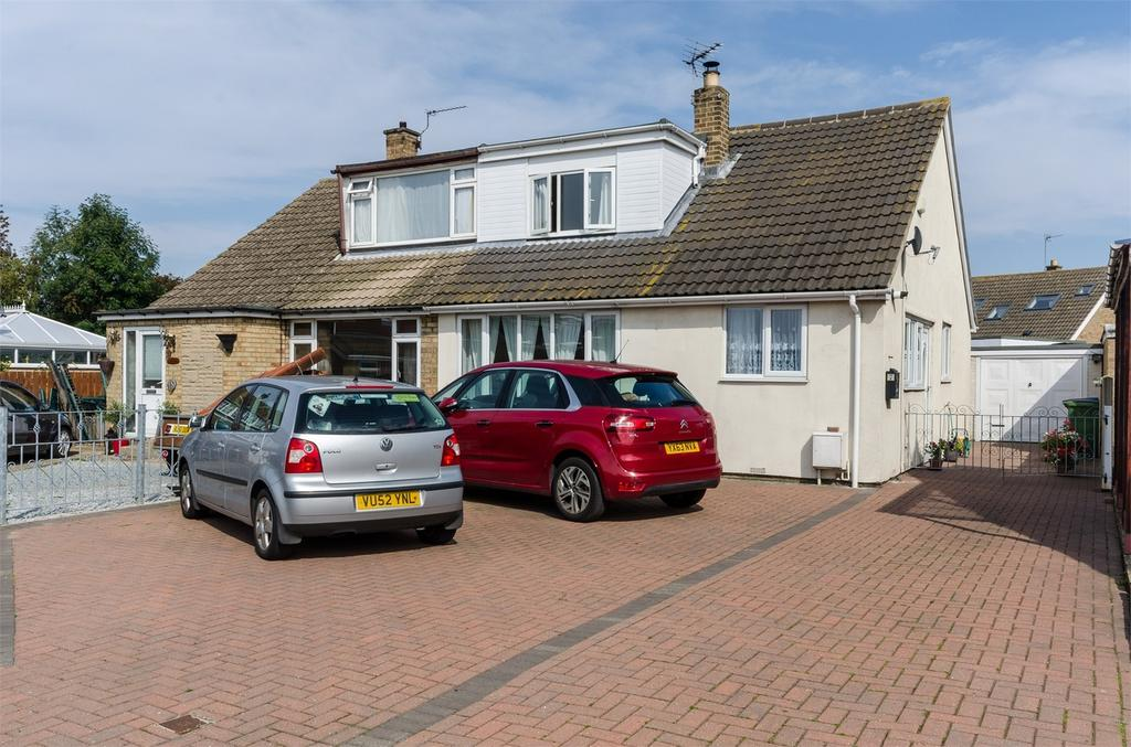 3 Bedrooms Semi Detached Bungalow for sale in Ombler Close, Keyingham, East Riding of Yorkshire