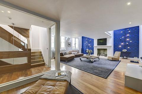 4 bedroom house - Montpelier Mews, Knightsbridge,, London, SW7