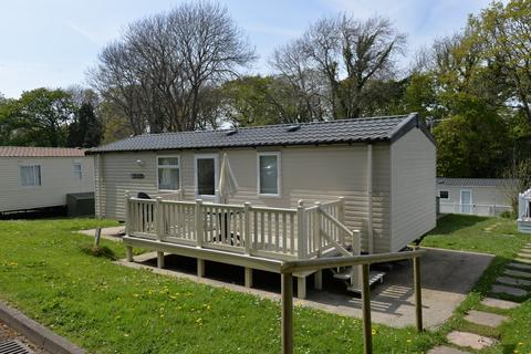 2 bedroom property for sale - Naish Estate, Barton on Sea, New Milton