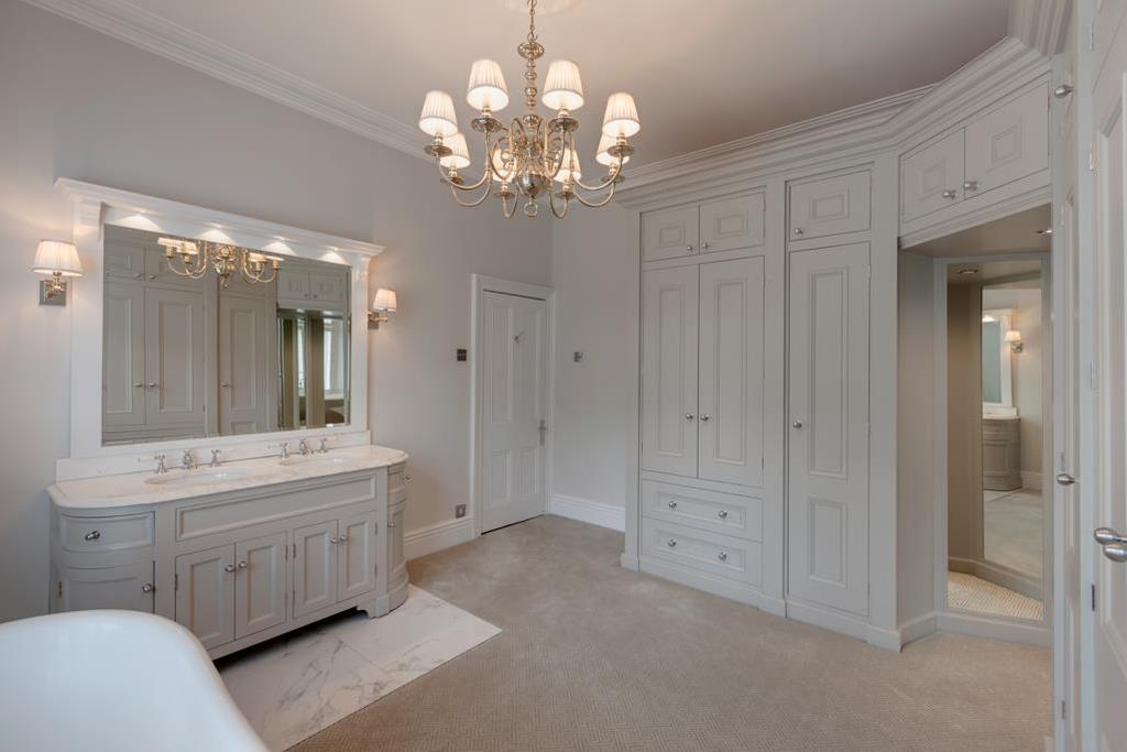 Bedroom 4/Dressing/Bathroom