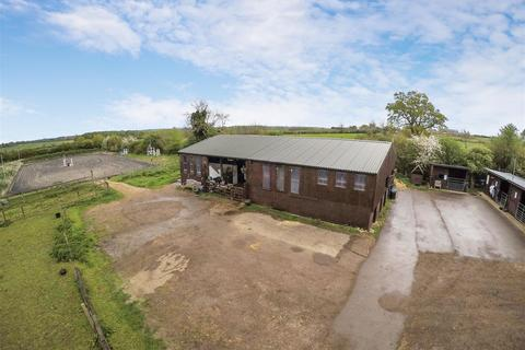 Land for sale - Steeple Claydon, Buckingham