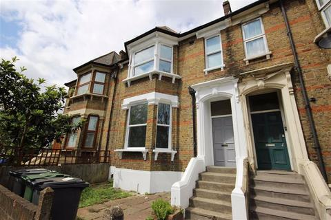 Property to rent - Lea Bridge Road, Leyton