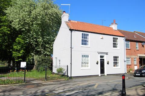 3 bedroom semi-detached house for sale - Sloe Lane, Beverley