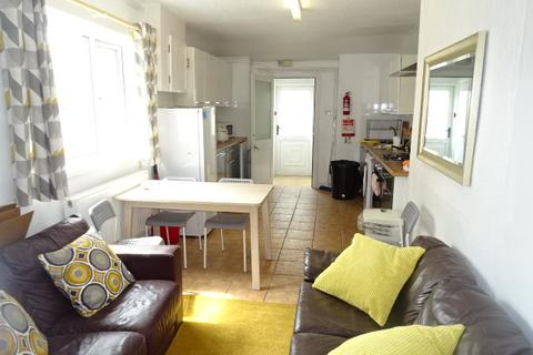 5 bedroom terraced house to rent - Lawn Terrace, Treforest
