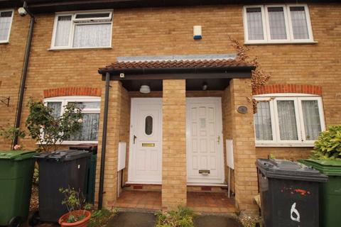 2 bedroom house to rent - Temple Close, Bushmead - Ref:P10058