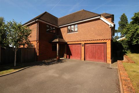 5 bedroom detached house to rent - The Woodlands, Guildford