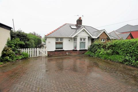 4 bedroom semi-detached bungalow for sale - Tynewydd Road, Barry