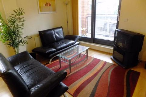 2 bedroom flat to rent - 1 River Street, Southern Gateway