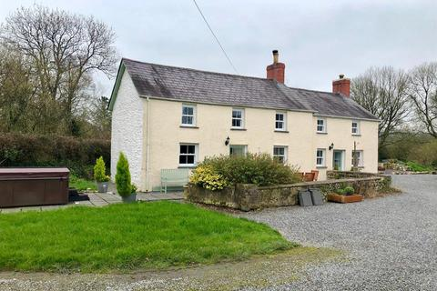 3 bedroom property with land for sale - Dryslwyn, Carmarthen