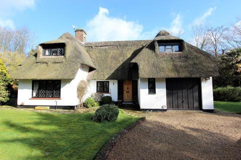 3 bedroom detached house for sale - Chipstead Village