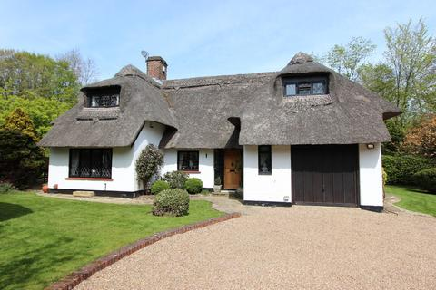 3 bedroom detached house for sale - Chipstead Village