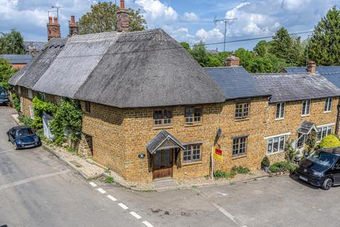 4 bedroom cottage to rent - High Street,  Hook Norton,  OX15