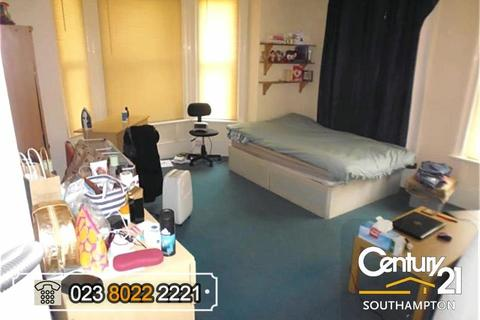 Studio to rent - Ref:{8} Westwood Road, Southampton, SO17