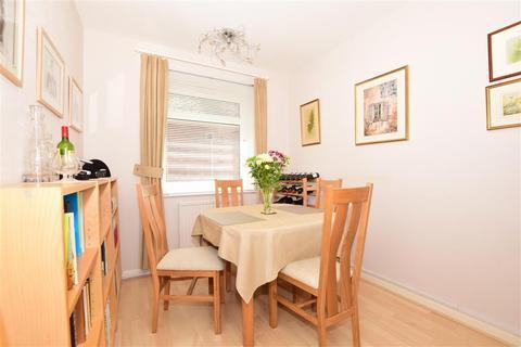 3 bedroom bungalow - Beesfield Lane, Farningham, Kent