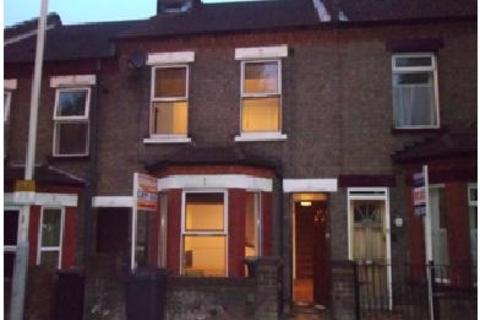 3 bedroom terraced house to rent - Hitchin Road, Luton, Bedfordshire, LU2