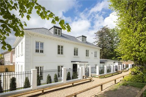 5 bedroom detached house for sale - Ladderstile Ride, Kingston Hill, KT2