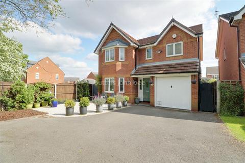 4 bedroom detached house for sale - Turner Close, Crewe